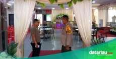 Polisi di Meranti Pantau Protokol Kesehatan di Acara Resepsi Pernikahan
